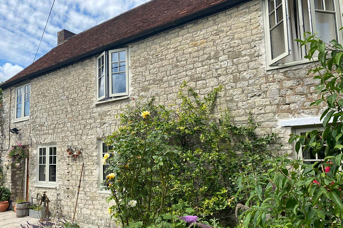 2105-cottage-side